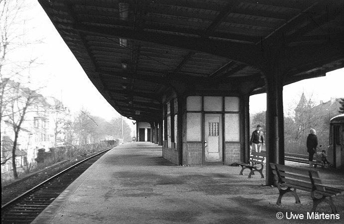 Bild: Bahnsteig Richtung Osten