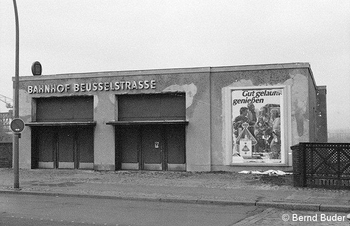 Bild: Eingangsgebäude