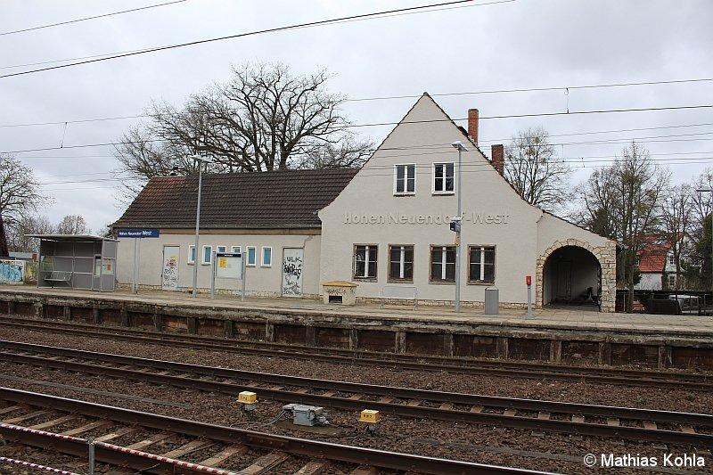 Bild: Bahnhofsgebäude 2015