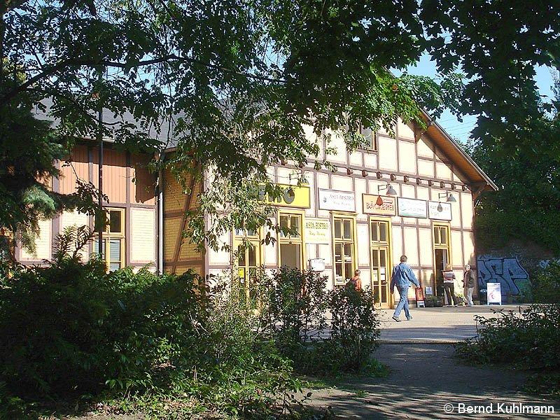 Bild: Empfangsgebäude Rennbahnhof