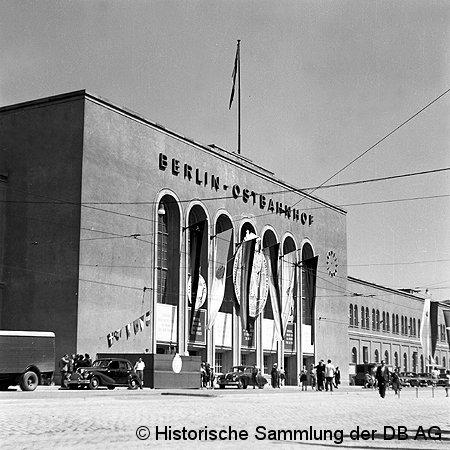 Bild: Empfangsgebäude 1951
