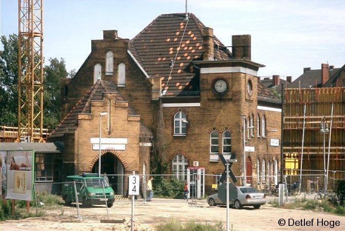 Bild: Empfangsgebäude