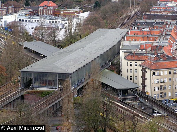 Bild: Draufsicht auf den Bahnhof