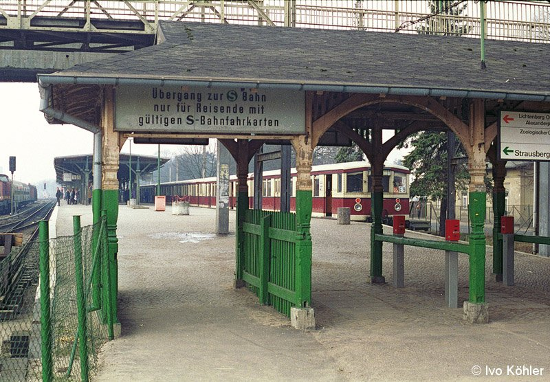 Bild: Zugang zum S-Bahnsteig im Jahre 1993