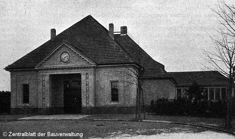 Bild: Empfangsgebäude um 1914