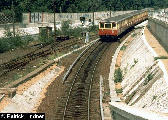 Bild: Akkuwagen am nördlichen Tunnelende