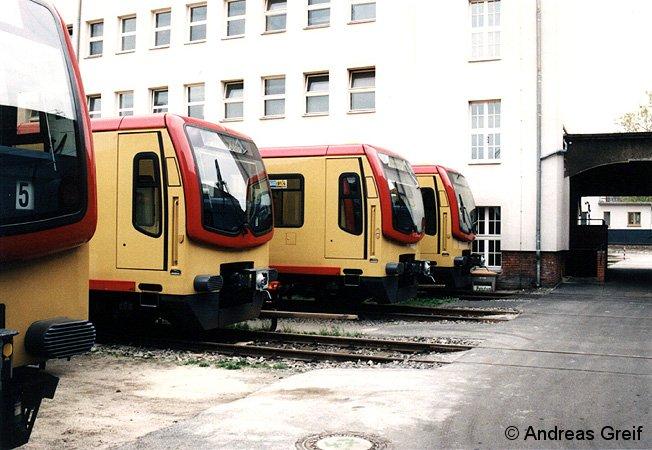 vier gelbe 481er