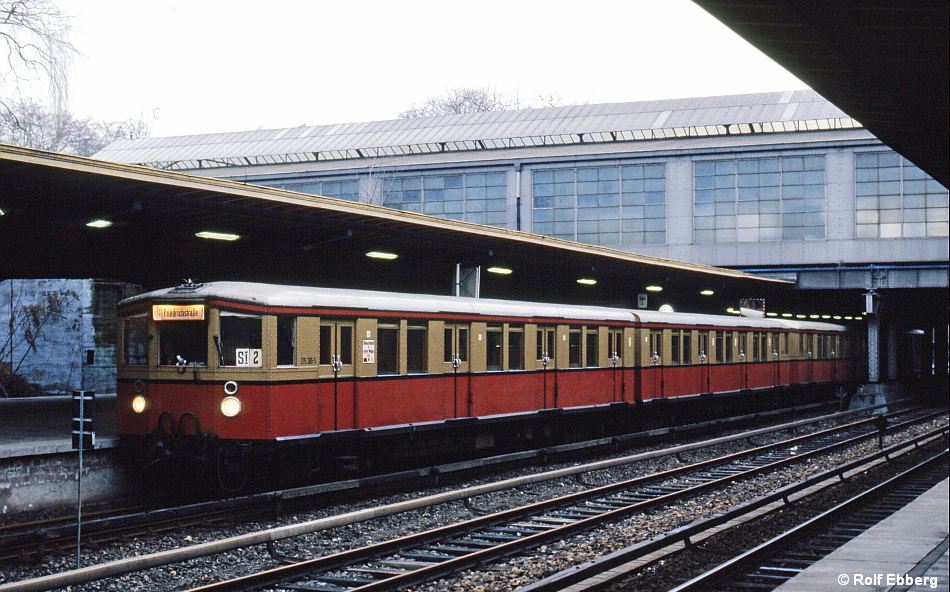 Bild: Zug in Westkreuz