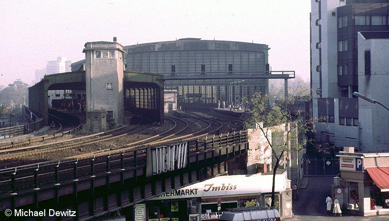 Bild: Südliche Ansicht des Bahnhofes Zoologischer Garten