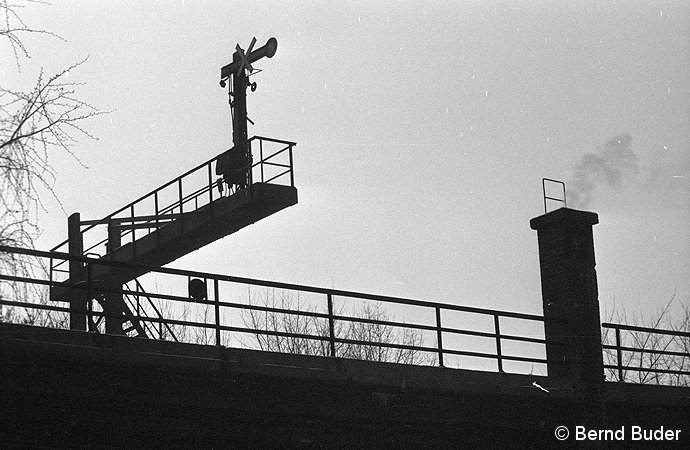 Bild: Signalausleger zwischen Leh und Bev