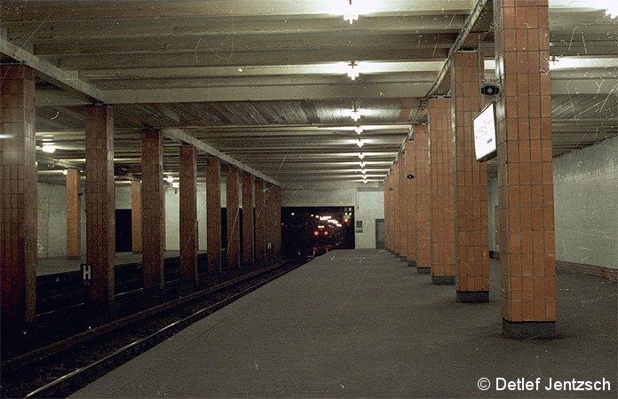 Bild: Anhalter Bahnhof im Jahre 1978