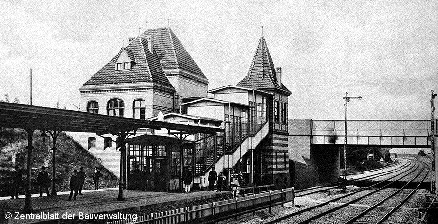 Bild: Bahnhof Südende