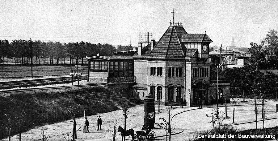 Bild: Bahnhofsgebäude Lankwitz